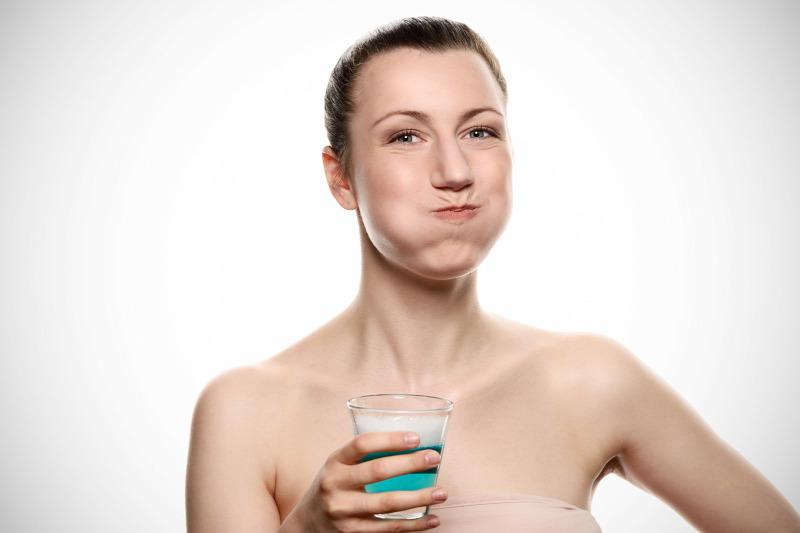 Mit kell enni, ha rossz a lehelete, 2. A szájöblítés is hasznos