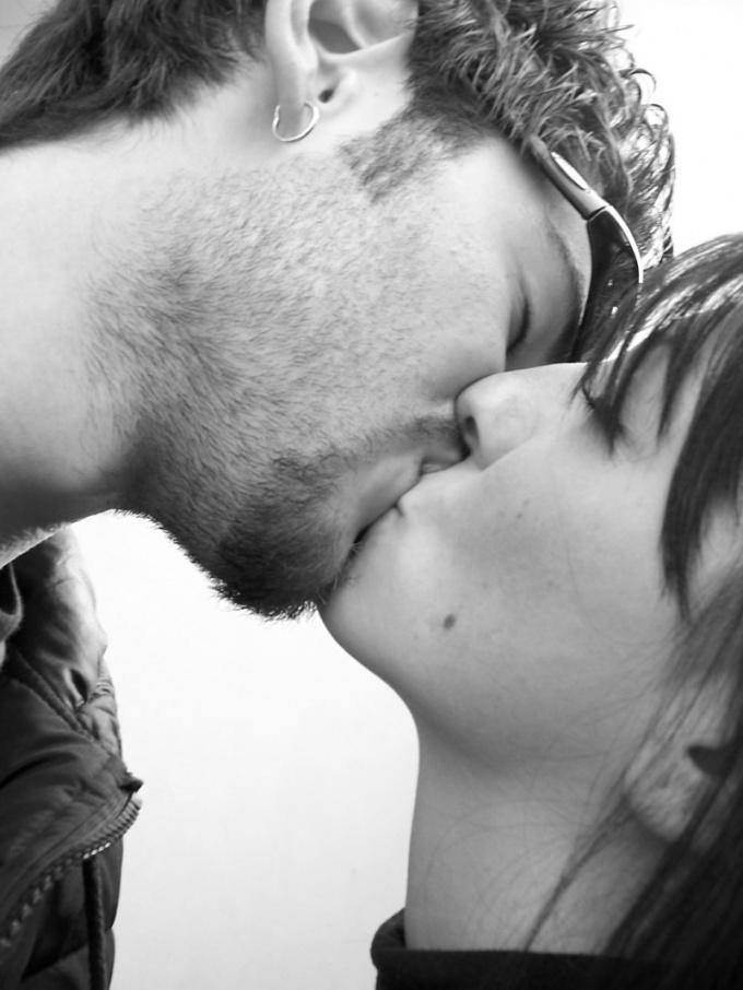 Hogyan kell csókolózni, hogy ő is akarja? - Hogyan kell csókolózni, hogyan kell csókolni