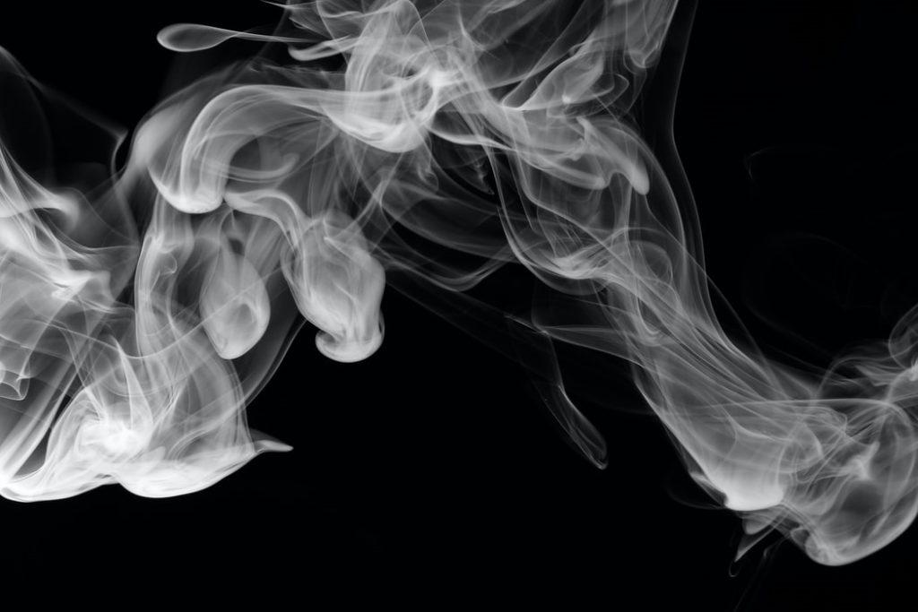hogyan lehet kitörölni a szagot a szájból