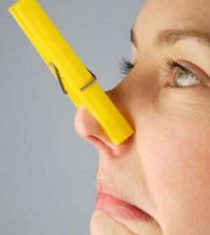 a betegséget a szájból érzett szag alapján azonosítsa