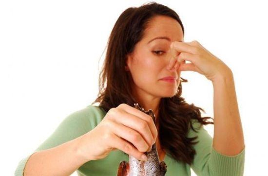 A szájból származó vasszag okai és kezelése. Miért érezzük a réz száját