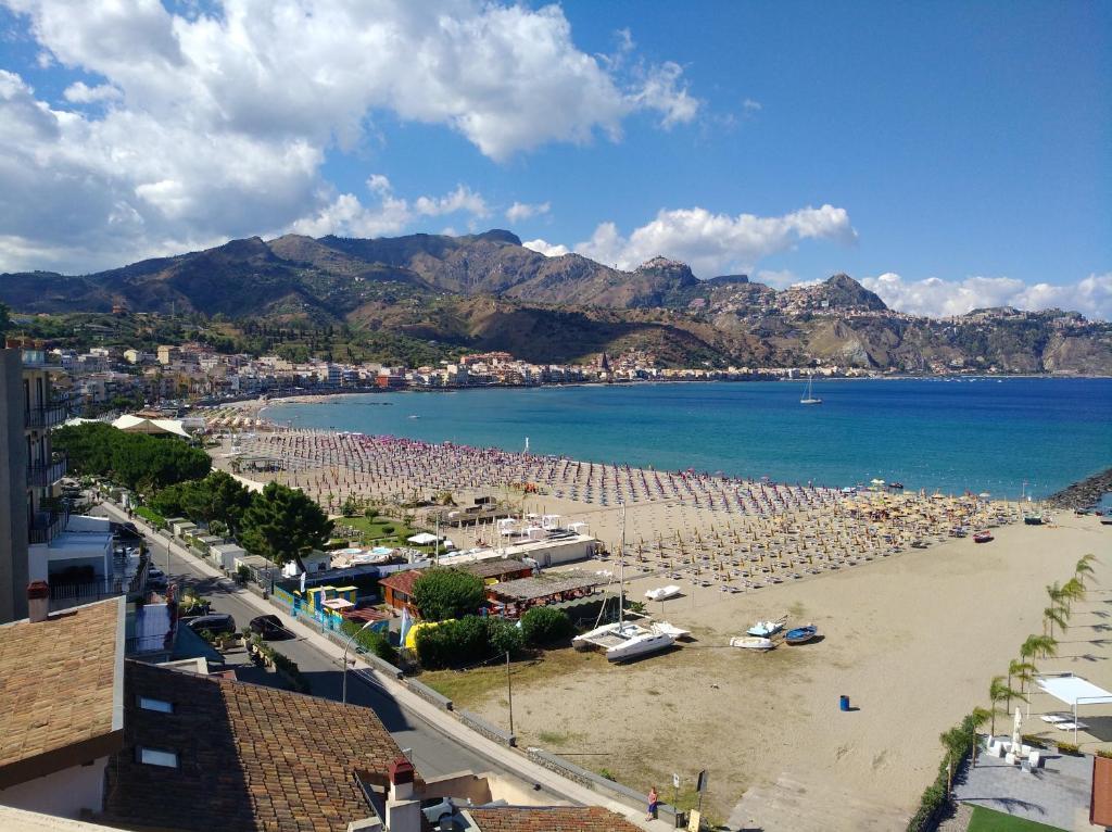 Giardini naxos strand. NAXOS BEACH Resort 4*, olaszországi szállások, Szicília Giardini Naxos