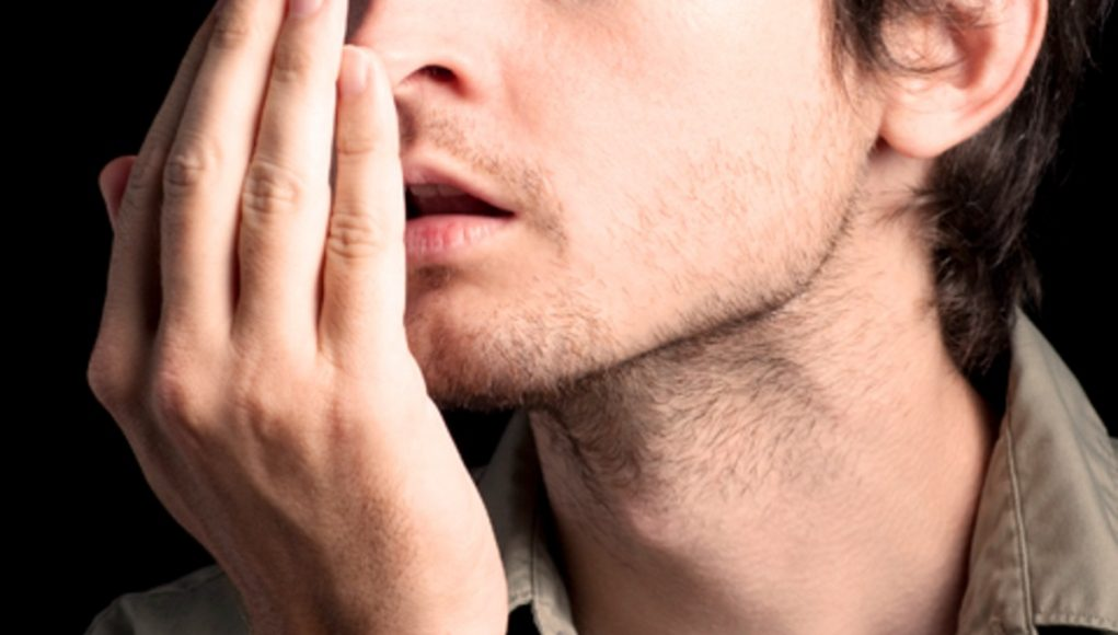 Hogyan szabaduljunk meg a szájszagtól?