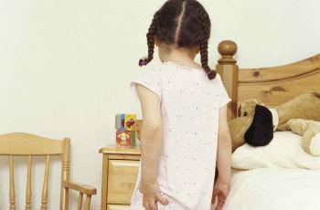 A gyermek pinworms: mit kell tenni és hogyan kell kezelni, az enterobiasis kezelését