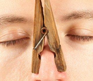 ha rossz szagot kezd el érezni a szájától