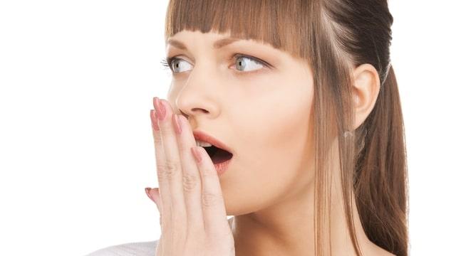 Mi okozza a rossz leheletet? | parodontax Orrplasztika és rossz lehelet