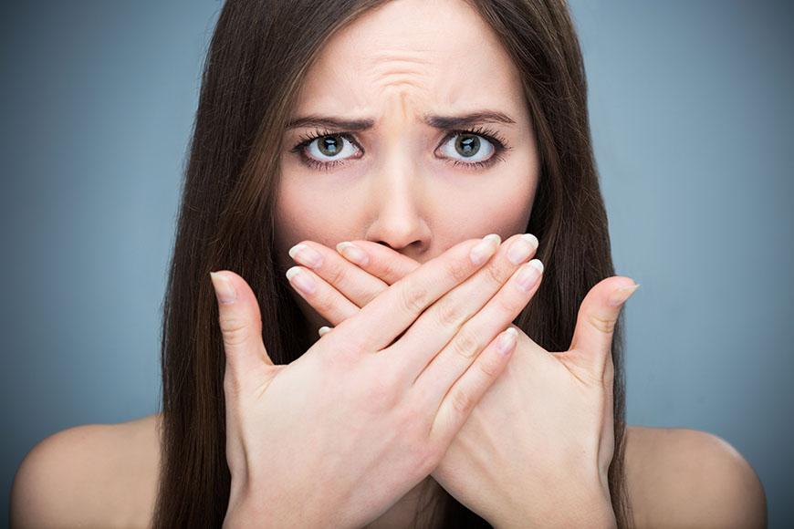 Savanyú lehelet nyál, 5 betegség, amitől büdös lesz a szája - Dívány